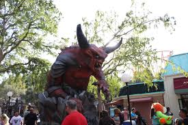 Six Flags Magic Mountain Directions Six Flags Magic Mountain U0027s Fright Fest Brings The Screams In 2017