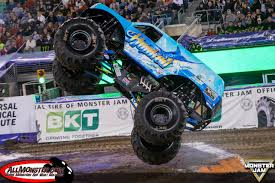 monster jam madusa truck monster jam photos east rutherdford 2016