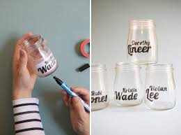 How To Use Mason Jars For Decorating Diy Tutorial For Glass Jar Typography Love These Would Be Great