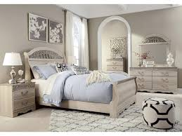 Metal Sleigh Bed Signature Design By Ashley Catalina Traditional Queen Sleigh Bed