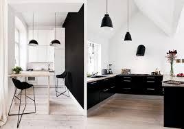 deco cuisine noir 20 inspirations pour une cuisine en noir et blanc kitchens black