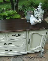 Painting French Provincial Bedroom Furniture by Before And After On A Bassett French Provincial Dresser It Was