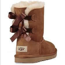 ugg bailey bow sale size 7 23 ugg other bailey bow 2 ugg boots chestnut size 7