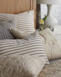 How To Pick Sheets How To Mix And Match Patterned Bedding How To Decorate