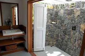 desain kamar mandi pedesaan gambar kamar mandi luar ruangan desain kamar mandi nuansa pedesaan