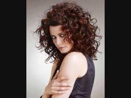 coupe de cheveux fris s coupe de cheveux frisé modèles de coiffures et coupes de cheveux