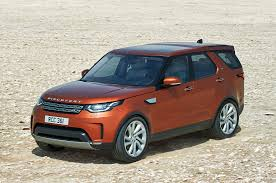 land rover camo 2017 land rover discovery reviews and rating motor trend