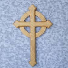 wooden celtic cross celtic christian pointed cross cross aiguise pointed