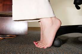 Office Exercises At Your Desk Desk Exercises And Ways To Lose Weight At Work Reader S Digest