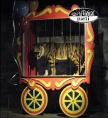 Creepy Carnival Decorations Lions Cage Photo Prop Could Be A Little Kid U0027s Bed Photo Props