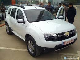 duster renault interior dacia duster interior and exterior spy photos automotorblog