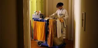 salaire femme de chambre comment travaillent les femmes de chambre dans les hôtels de luxe