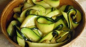 cuisine courgettes salade de courgettes crues la tendresse en cuisine