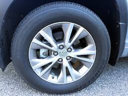 toyota wheel size what tire size does the toyota highlander use