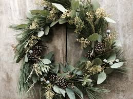 christmas wreaths christmas wreaths ideas to make in your home inspirationseek