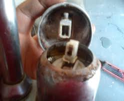 changer mitigeur cuisine comment demonter une cartouche d un robinet mitigeur le briconaute