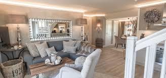landhaus wohnzimmer bilder landhaus einrichtung frostig ruhig auf wohnzimmer ideen mit home