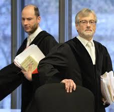 Polizeibericht Baden Baden Prozess Baden Baden Mann Soll 81 Jährige Stundenlang Vergewaltigt
