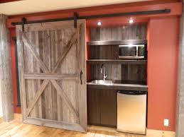 porte coulissante sur mesure idée caché également la cuisine par une grande porte coulissante