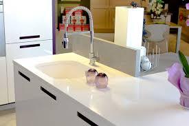 plan de travail cuisine quartz ou granit cuisine plan de travail marbre et decoration