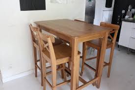 tables hautes cuisine table haute avec chaise grande table ronde salle a manger maison