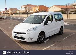 peugeot france peugeot partner stock photos u0026 peugeot partner stock images alamy