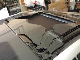 2013 hyundai elantra problems 2013 hyundai elantra sunroof shattered while driving 3 complaints