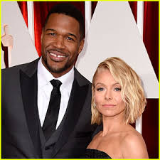 michael strahan new haircut michael strahan discusses kelly ripa relationship at one point i