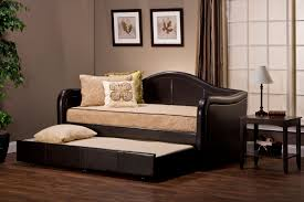 Pull Out Daybed Hillsdale Brenton Daybed With Pull Out Trundle Brown Vinyl