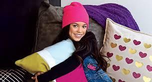 jenna ortega gets a fun bedroom makeover exclusive first look jenna ortega gets a fun bedroom makeover exclusive first look exclusive jenna ortega magazine just jared jr