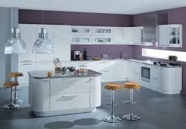 ilot cuisine blanc design interieur ilot cuisine moderne design blanc laque tabourets