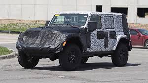 light brown jeep wrangler 2018 jeep wrangler u0027s interior fully revealed in new spy photos