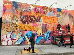 bowery wall s newest mural by pichiavo mixes colors and classicism bowery wall s newest mural by pichiavo mixes colors and classicism