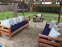 Plans For Outside Furniture by 25 Best Diy Outdoor Furniture Ideas On Pinterest Outdoor