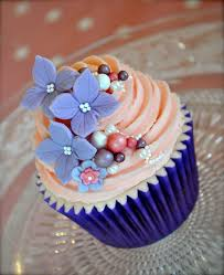 Wedding Cupcake Decorating Ideas 39 Gorgeous Cupcakes With Pearls Cupcakes Gallery