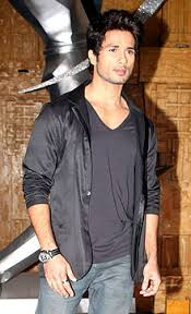Shahid Kapoor Cock - never knew aesthetics indians existed untill i got across this guy