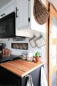 Camper Trailer Kitchen Ideas by Best 25 Rv Remodeling Ideas On Pinterest Trailer Remodel