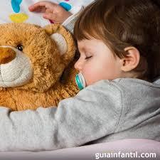 mama dormida mientras que su hijo se la coge sueño infantil cuándo el niño no duerme bien