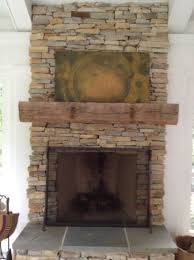 Wood Mantel Shelf Pictures by Best 25 Reclaimed Wood Mantel Ideas On Pinterest Fireplace