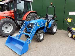 solis 26hp compact tractor with or without parallel loader