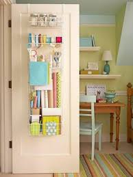 Maximize Space Small Bedroom by Smart Storage Solutions For Decorating Small Apartments And Homes