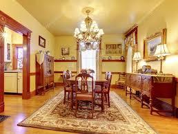 ladario sala da pranzo lussuosa sala da pranzo con tavolo in legno sedia set ladario