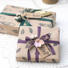 christmas kraft wrapping paper 24 clever christmas wrapping hacks