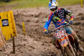 motocross racing tips how to win a motocross race in the mud like ken roczen