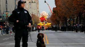 cbs thanksgiving football tv ratings nbc parade climbs u2014 but fox football dominates