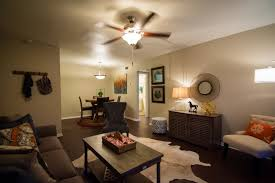 2 bedroom apartments in austin elevation apartments 40 photos 20 reviews apartments 1911