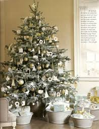 Decorated Christmas Trees In Gold by Dazzling Christmas Tree Decoration Ideas