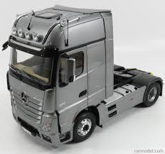 mercedes truck 2016 nzg 952 55 scale 1 18 mercedes benz actros 2 gigaspace 1851 blue