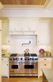 two tone kitchen cabinets amiko a3 home solutions 16 feb 18 11