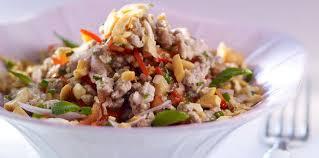 cuisine thaï pour débutants salade thaï au porc et gingembre facile recette sur cuisine actuelle
